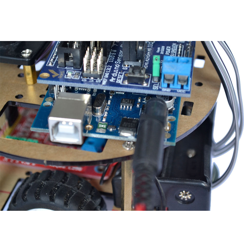 Arduino UNO Rev3 智慧小車