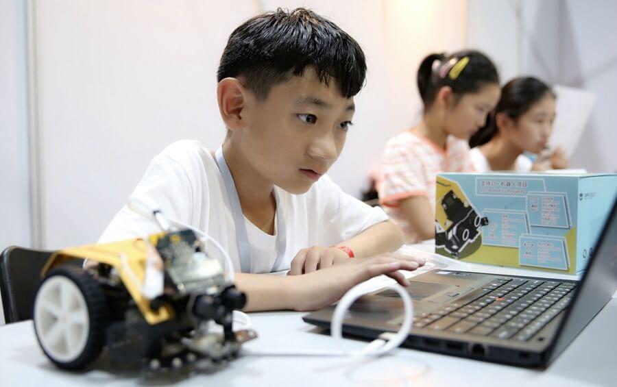 兒童計劃與Max:Bot